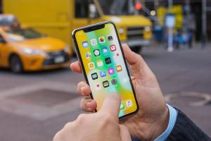 iPhone X вернут в продажу из-за провала iPhone Xs